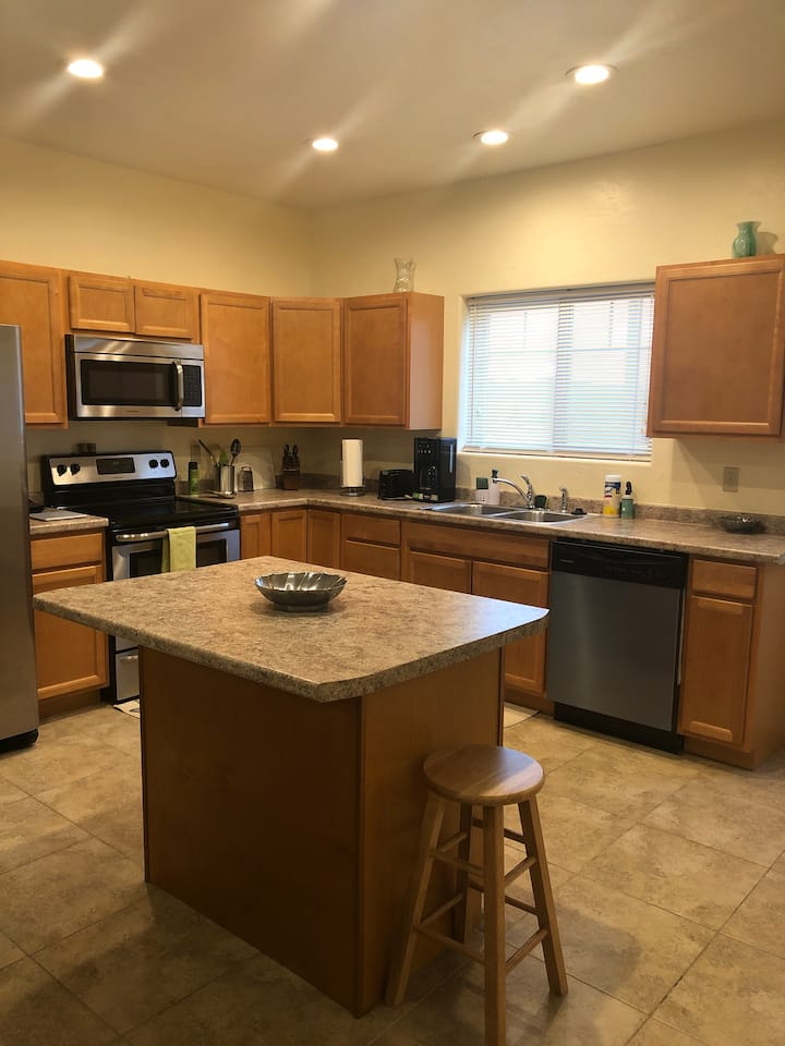 Lovely Apartment in Uptown Butte