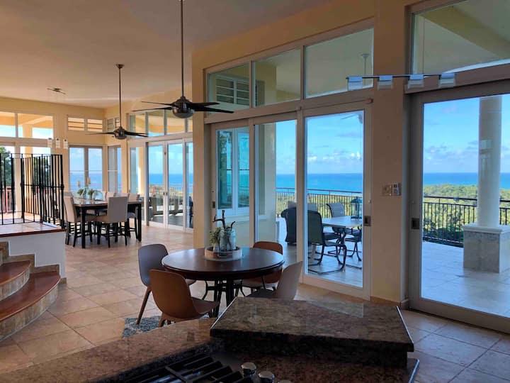 Large Villa/Spectacular Ocean Views/ Pool/ Private
