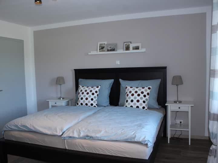 Doppelzimmer-Modern-Ensuite