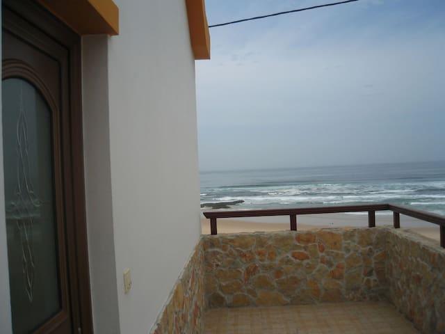 Lucas House 2 - Sea Breeze Apartment