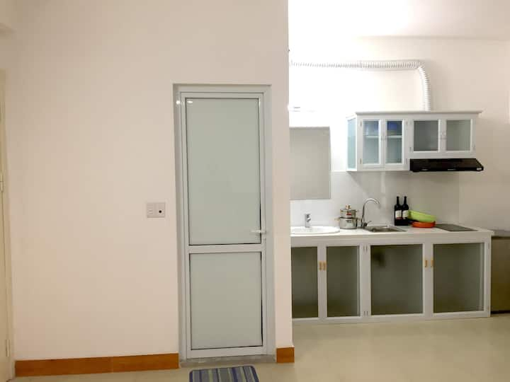 Quiet studio in Tay Ho close to the airport