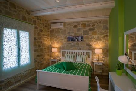 Cosy Villa with private pool near Ballos-Chania! - Kato Paleokastro - Vila