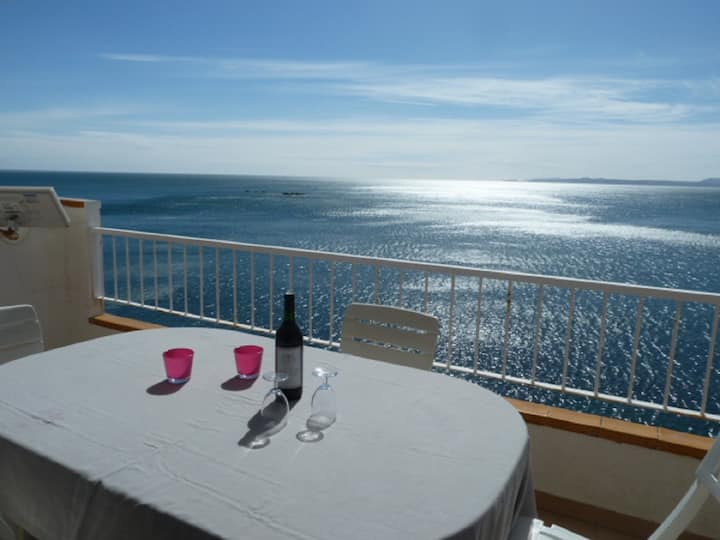 Very nice apartment , swimming pool and sea view-298