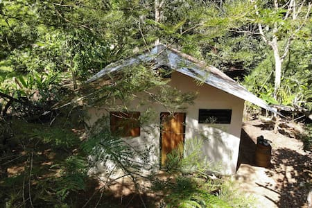 Rustic cabina 400 meters from the beach