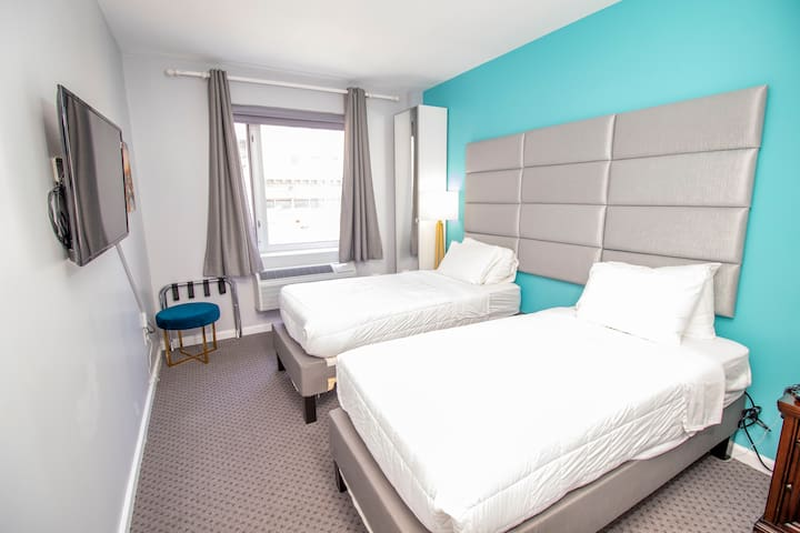 ★Premier Room Two Twin Beds, City View★