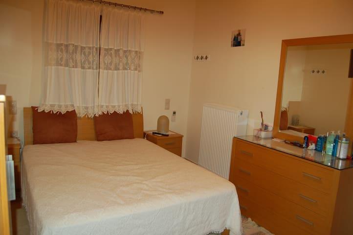 Bedroom  No  1 [bed 1,6x2,0 m]