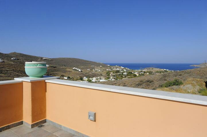 Dreamy Maisonette Sea View (700m from the beach)