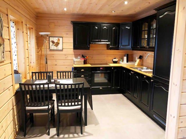 Koselig leilighet/deler av hytte 4-5 personer