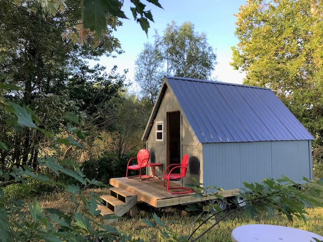 Glamping St. Louis- A Secluded Camp Cottage