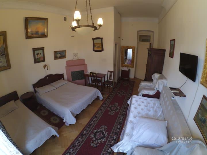 Gutsa Guest House Junior suite (3 number)