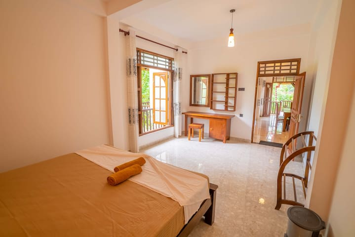 Nature Trail Villa - Double Room & front greenery