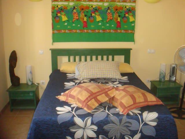 Akwaba chambre double et salle de bain privative