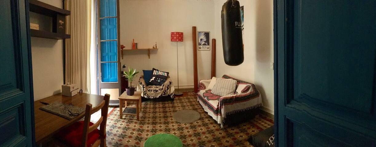 DOUBLE ROOM NEXT TO LA RAMBLA - Barcelona - House