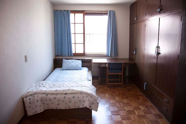 Blue door gusthouse 蓝门之家 Single bed room - Imabari-shi