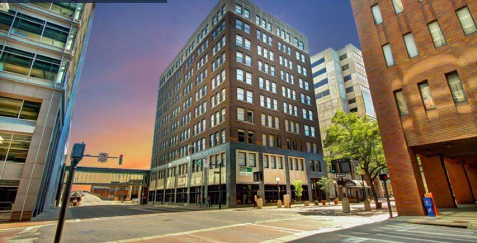 1Bedroom Loft in heart of downtown DSM