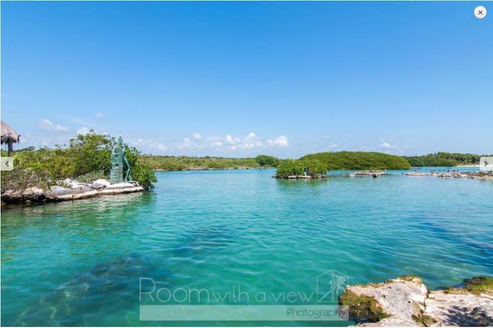 Casita Sofia, Chic Studio steps to Yalku Lagoon