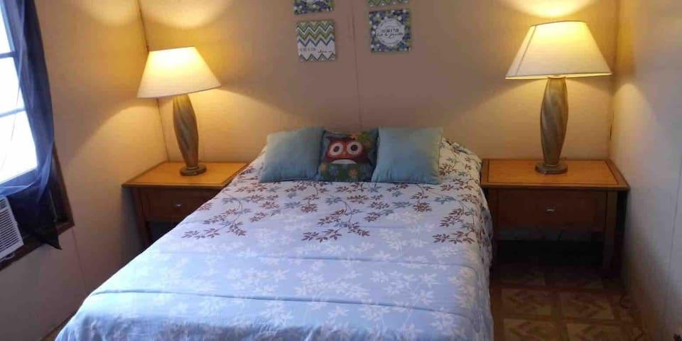 1 Private Bedroom Near Lake Okeechobee Fun & Sun.