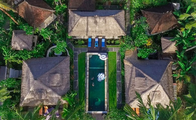 Villa⚡sweet⚡scured compound;sunset view+pool+resto