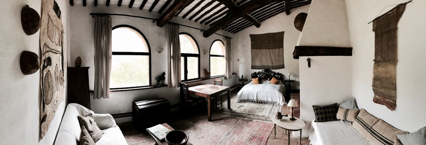 Rooms in an organic farmhouse - Monteriggioni 1.8k
