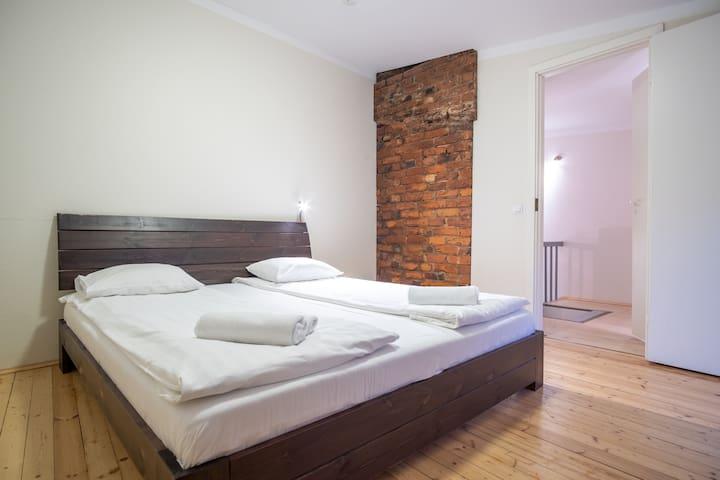 Fresh 2-Floor 2-Bedroom - Old Town