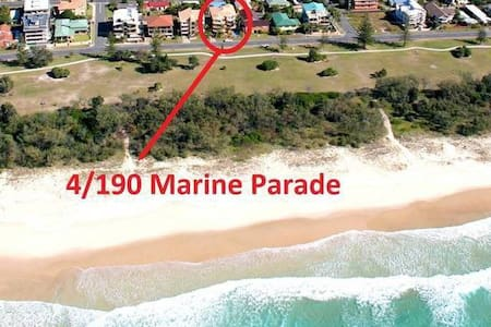 Across From Beach, only minutes walk to shops - Kingscliff
