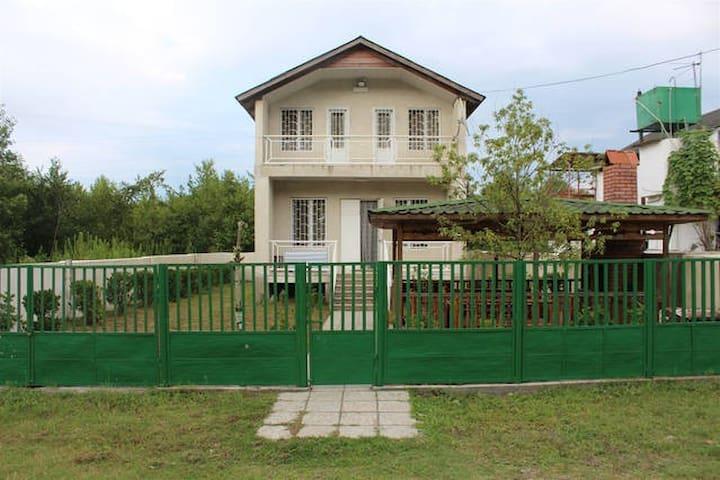 Grigoleti Cozy House/Уютный Дом в Григолети - Lanchkhuti - House