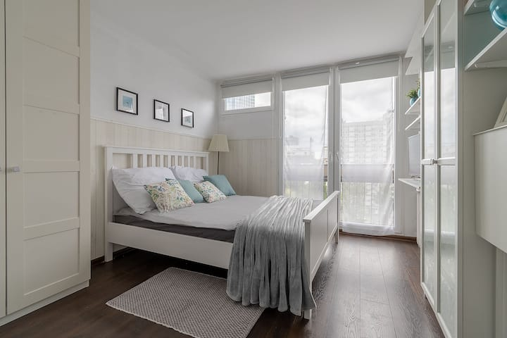 900m to Warsaw Centre: 2-bedroom Modern&Cosy Suite