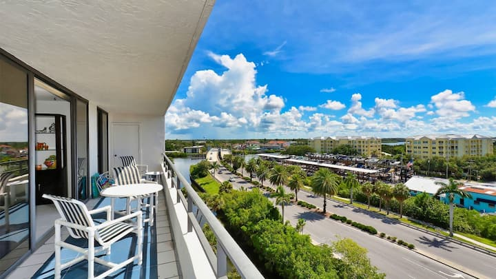 Rent this Luxury 5 Star Apartment on The Anchorage, Siesta Key Apartment 1029