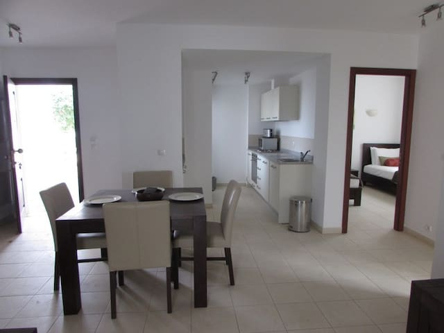 Comfy spacious 2 bed Apt on Tortuga Beach Resort
