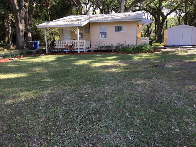 Tampa home with country look and feel