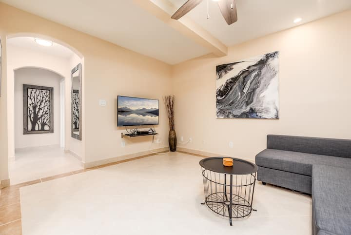 Ocean Flats #1 Newly Renovated! (Sleeps 7)