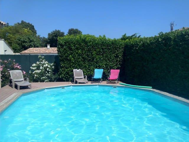 Villa avec  jardin et piscine  en Juillet - Salon-de-Provence - Villa