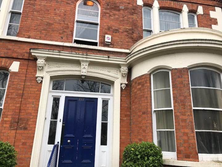 Charming Victorian old rectory double  ( rm 6)