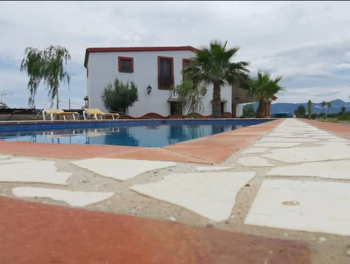 Beautiful Family Villa El Coíno with Pool, Air Conditioning, Wi-Fi and Terrace; Parking available