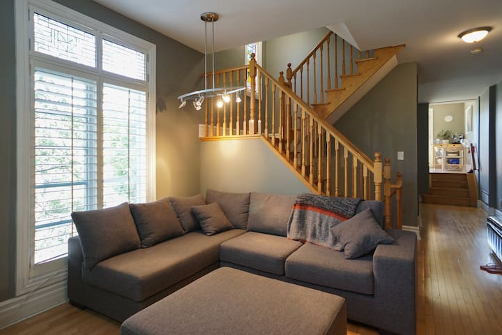 Huge Bright 3 bedroom private home