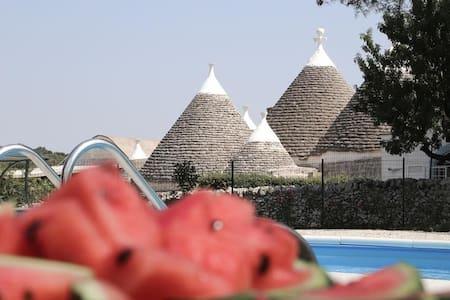 Lamia Suite Reginetta, Classic Collection, self catering with shared pool in Puglia | Raro Villas - Villa