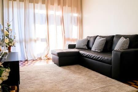 Apartment in front of Porto National Theatre - Porto