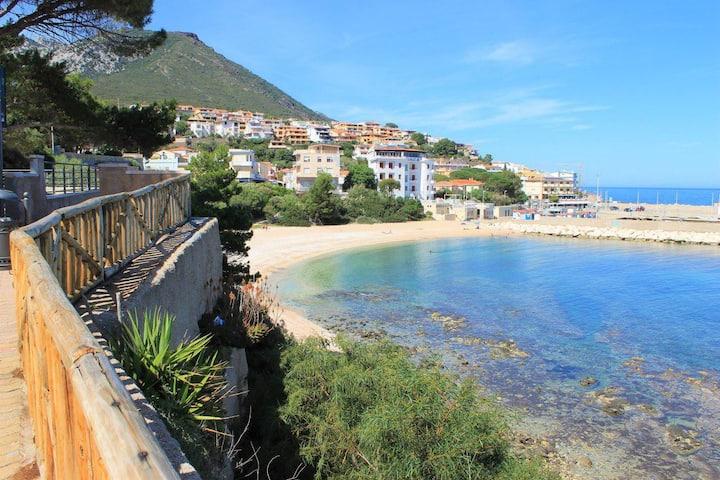 Casa mare calmo, a pochi passi dalla spiaggia