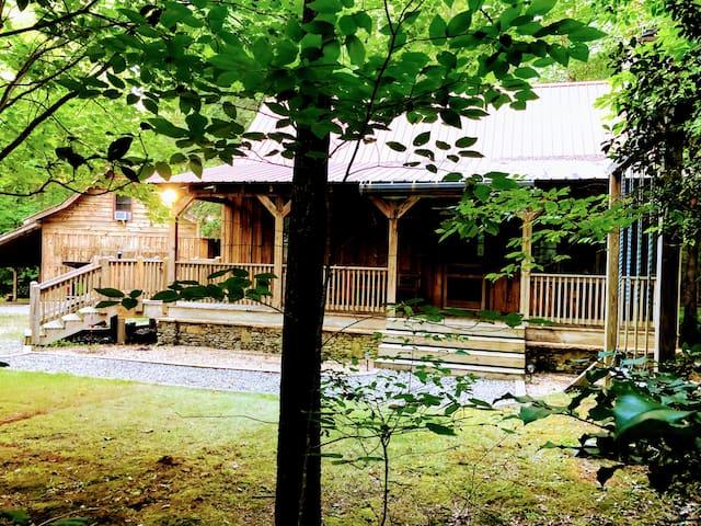 Tate Creek Cabin - Hot tub/Majestic location!