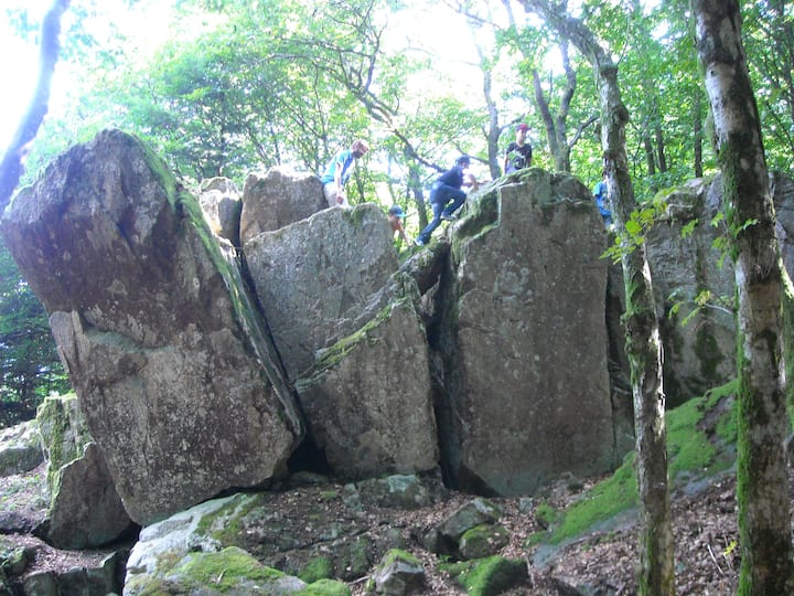 Géosite roches corneille haut Beaujolais
