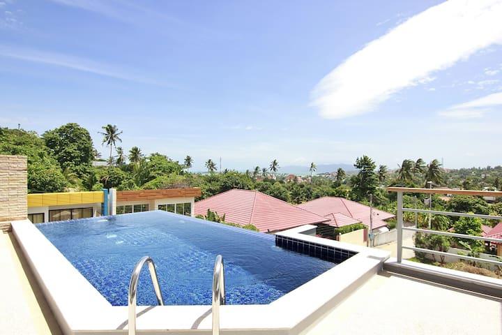 top floor infinity pool with seaview