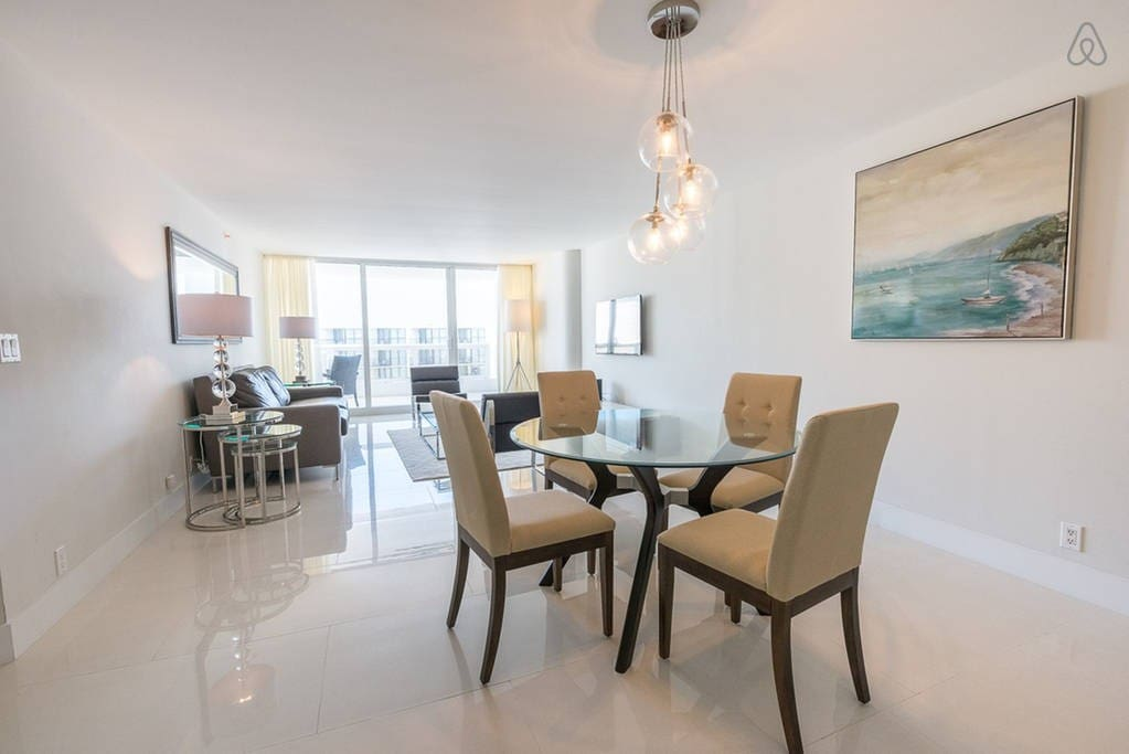 The Grand 3342 | 1bed|1.5bath | Free Valet Parking""
