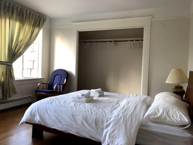 2659 花园景大床房带衣柜