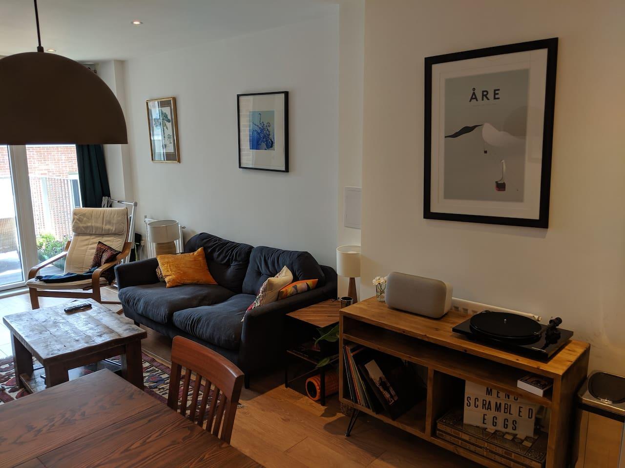 Kitchen/Living Room 3