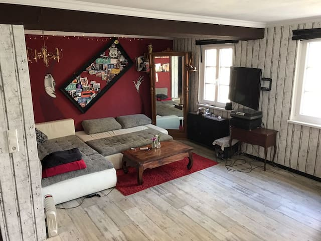 Cozy vintage retro loft (90m2) in the center