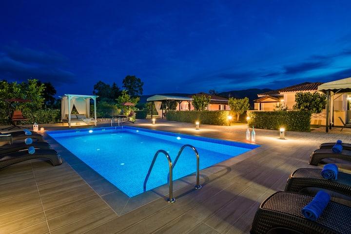 Giannoulis Village 3-bedroom house(Surreal Villas)