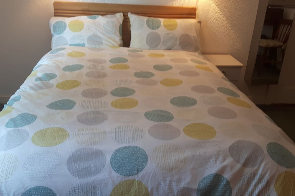 Hotel quality non IKEA double bed - 1.35m x 1.9m