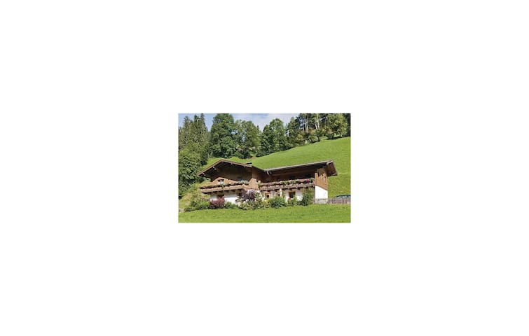 Holiday apartment with 3 bedrooms on 85m² in Mühlbach