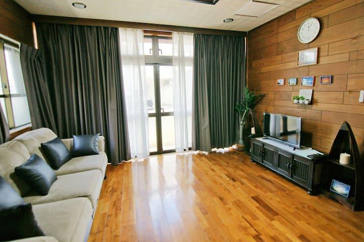 3ROOMS-OKINAWASTAY in CHATAN 北谷★FreeWifi&ParkingX2
