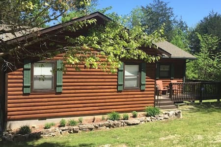 Peaceful and Perfect Table Rock Lakefront Cabin